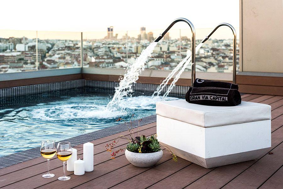 vistas maravillosas de la piscina contract hotelero